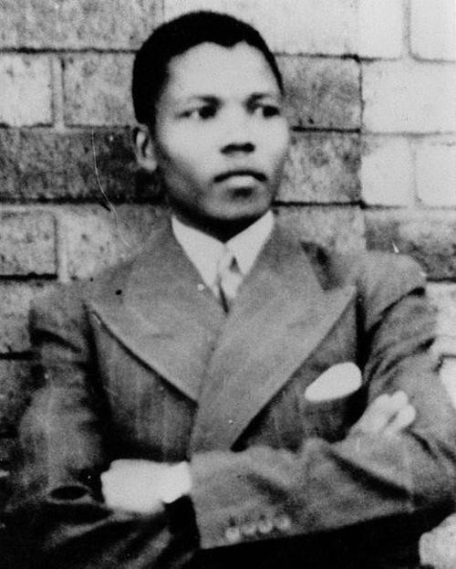 99560_story__480px-Young_Mandela